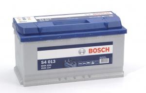 Аккумулятор автомобильный Bosch S4 Silver 95 R